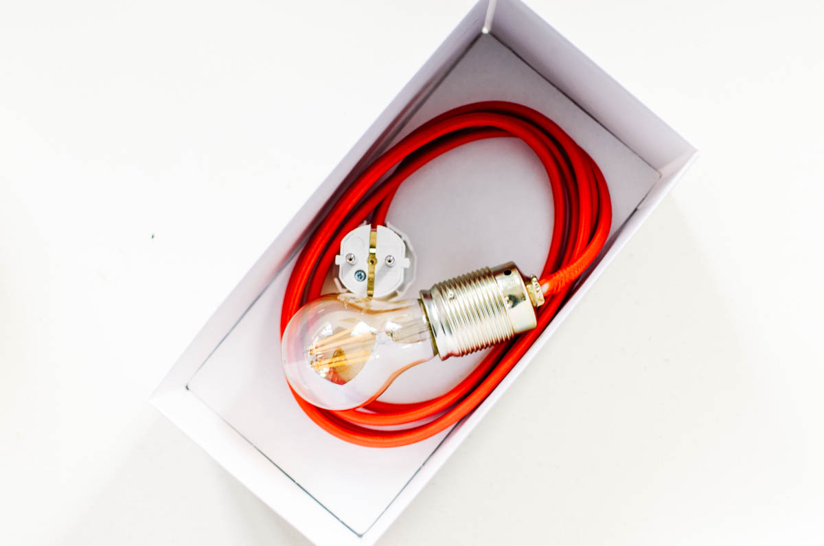 Geschenk gold-rote Lampe